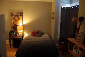 Available Sept 1 Ideal student bachelor apartment