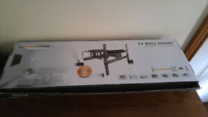 "Full Motion Wall Mount (37"" - 70"")"