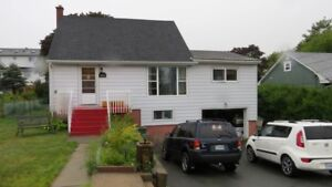 Fairview - 4Br House with Garage & Family Room Avail Oct 1st