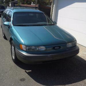 1992 Ford Taurus GL Wagon
