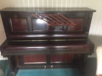 Piano , selling this lovely good looking piano and in absolutely working order . Need quick sale