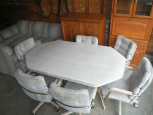 Dining Room Table +6 Chairs