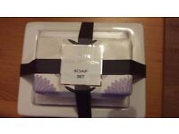 THE WHITE COLLECTION SOAP SET BY BOOTS - NEW