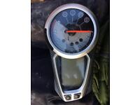 Triumph speed triple 1050 clocks