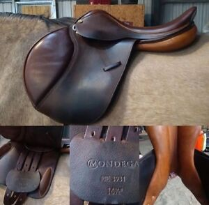 16.5 close contact Mondega English Saddle