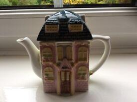 Leonardo Collection Tea Pot House