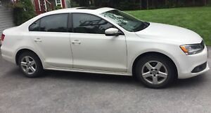 2012 Volkswagen Jetta, Loaded, Leather