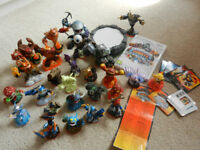 Skylanders Giants Wii game, wireless portal, cards, 26 figures