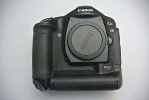 Canon EOS 1Ds mark II full frame dslr body with battery,charger