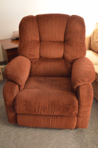 La-z-Boy Reclining Chair-Very Comfortable