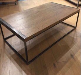 Coffee table in oak industrial style