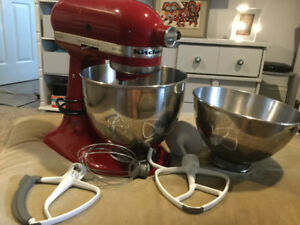 Used Kitchen Aid Artisan Stand Mixer
