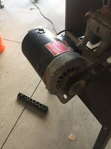 Three quarter horse Rockwell table saw
