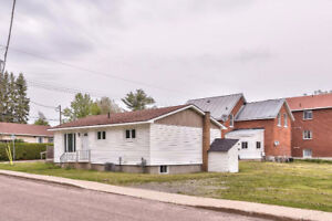 Great Opportunity for Investors. Steps to River.Walk to Downtown