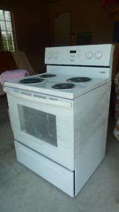 white electric kitchen stove