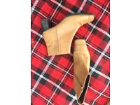 Ladies tan boots size 8