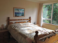 2 Bedroom Fully Furnished bright & spacious flat situated in a popular residential area of Guildford