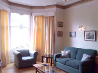 Edinburgh Festival Holiday Accommodation. Large Apartment sleeps 6, wifi, cot, hi chair, castle view