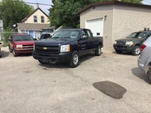 2011 Chevrolet Silverado Ext-Cab 4X4 Safetied Local truck