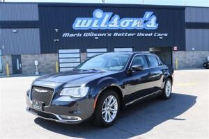 2016 Chrysler 300 LIMITED LEATHER! NAVIGATION! PANORAMIC SUNROOF