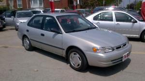 2000 Toyota Corolla Sedan CE.