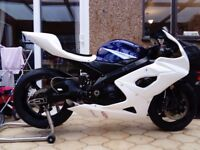 Gsxr 1000 k5 k6 track road race bike with v5 Ohlins brembo bazzaz swap px r1 Zx10r. Cbr1000rr gsxr