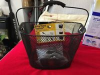 Bellelli Bike Basket Handlebar with Quick Clip Installation closed-meshed black