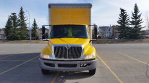 International 4300 5 ton Power tailgate Reduced