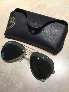 Aviator Raybans black with Gold frame Reduced !!
