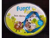 Brand New - Kid's 'Funky Farm' Bath time/Toiletry Gift Set