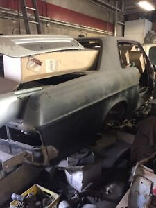 Mercedes 250c or ce 1969. Parts or car