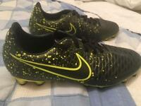 Nike magista men's football boots size 6