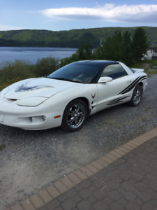2000 Pontiac Firebird Coupe (2 door)