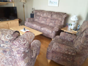 Sofa/2 chaises inclinables negotiable