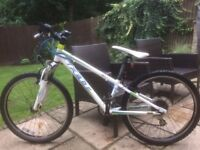 Felt Junior Mountainbike . front suspension ,24inch Wheels , Grip shift & v brakes