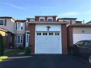 Prestigious 3 Bedrooms House W/Functional Layout At Redhead Cres