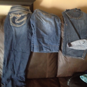 Several items of ladies summer clothes