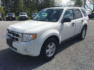 2011 Ford Escape XLT LEATHER SUNROOF AWD LOADED