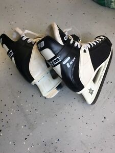 Skates and hockey Goalie equipment