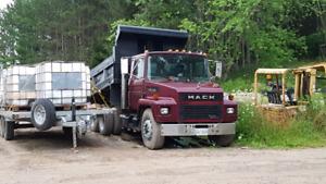 Mack midliner dump truck with lift axle