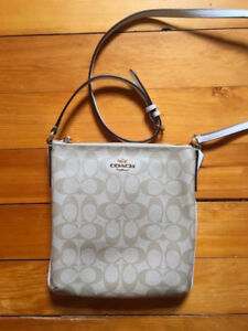 COACH CROSS-BODY PURSE