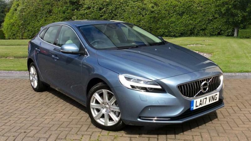 2017 volvo v40 t3 inscription auto w front a automatic petrol hatchback in horsham west. Black Bedroom Furniture Sets. Home Design Ideas