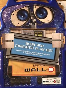 Wall.E Book & Magnetic Play Set