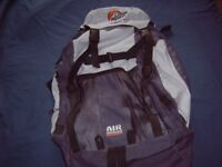 ALPINE LOWE 25 WALKABOUT RUCKSACK, AIR COOLED BACK SYSTEM, AS NEW.