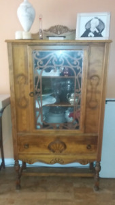 Cabinet and buffet