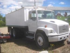 2001 fl80 automatic grain truck