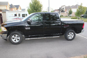 2013 Ram 1500 SXT Crew Cab Navigation/Bluetooth/backup camera