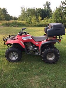 1992 Honda fourtrax 300, 2X4