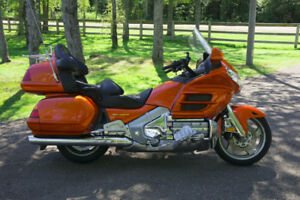 Excellent GL1800 Gold Wing, great touring or cruising bike