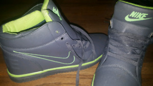 NIKE shoes (brand new)
